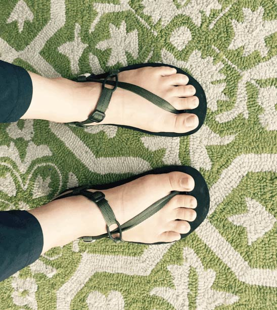 YogaKaty feet in Unshoes